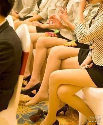 这大长腿真是太吸睛了