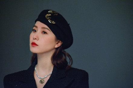 刘诗诗贝雷帽造型惊艳众人  女神范儿十足